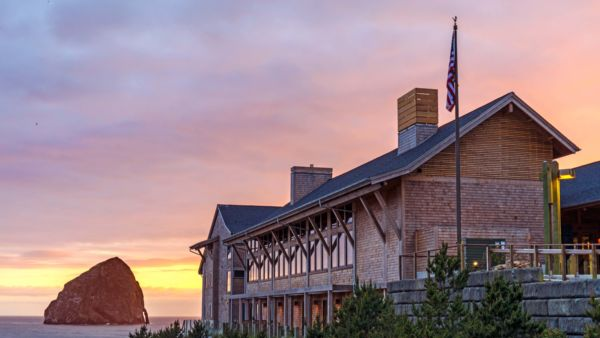 Headlands Coastal Lodge and Spa, Pacific City, USA